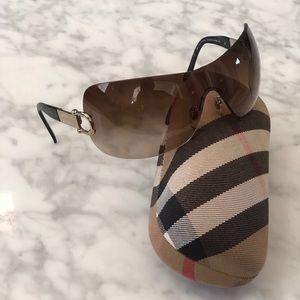 Vintage Burberry sunglasses. Seen on Kardashian's